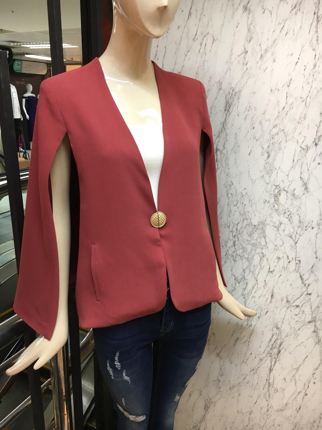 เสื้อคลุมแฟชั่น สีแดง